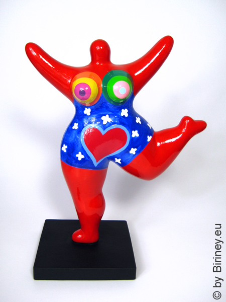 red NANA sculpture with heart! 26cm / 10 inches