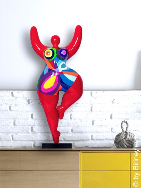 rote Unikat Nana-Figur Höhe 67cm - geometrische Muster
