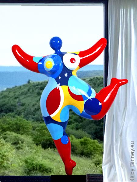 objet unique : statue Nana 63 cm avec des cercles colorés